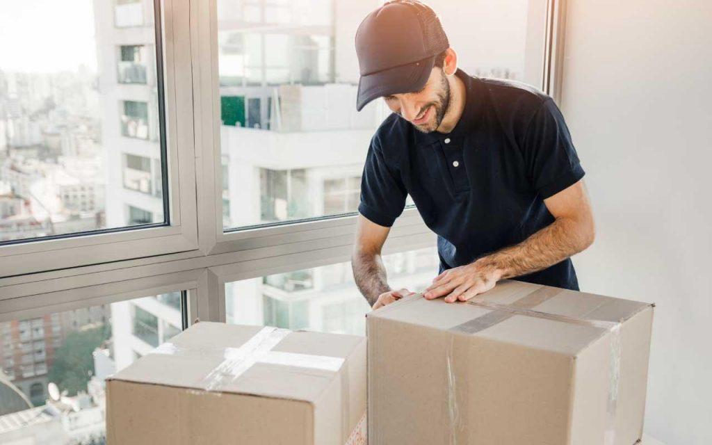 Express Shipping خدمة البريد السريع و التسليم من الباب الى الباب